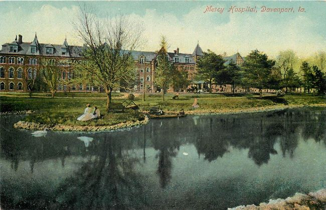 Mercy Hospital, Davenport L.A. Postcard