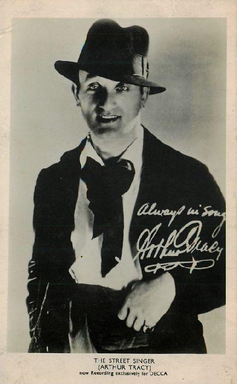 The Street Singer (Arthur Tracy) - Postcard