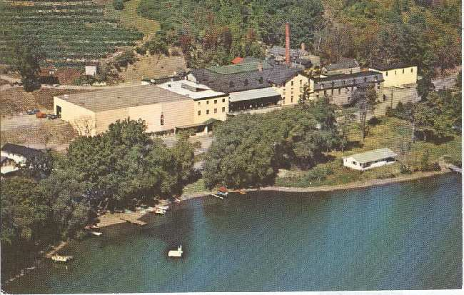 Alcohol Postcard - Gold Seal Vineyards