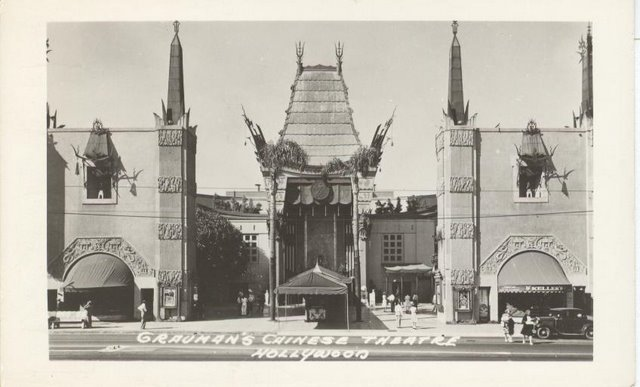 Grauman's Chinese Theatre - Hollywood