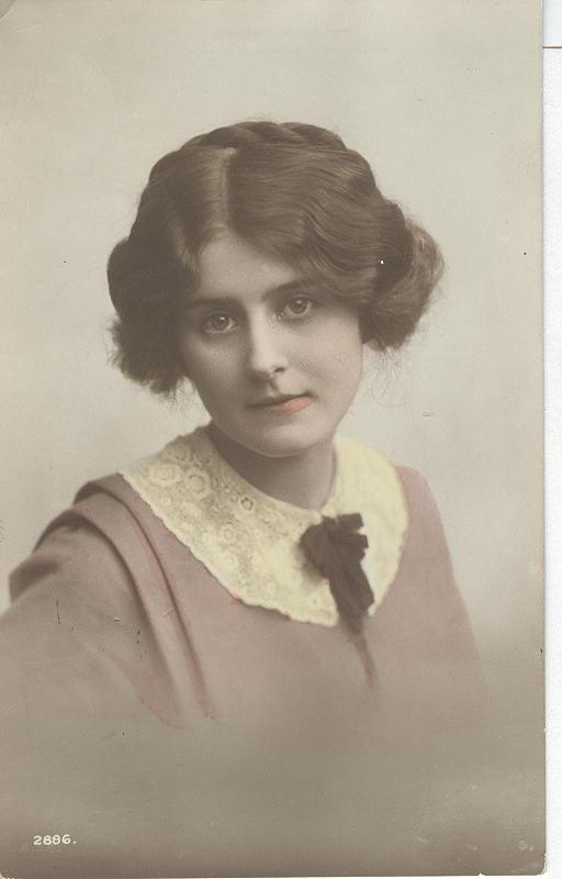 1908 Photo of Edwardian Beauty